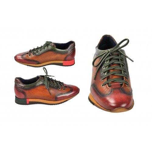 Sneakers marroni con lacci