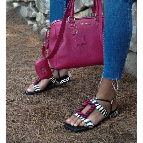 Sandali in pelle con fibbia...